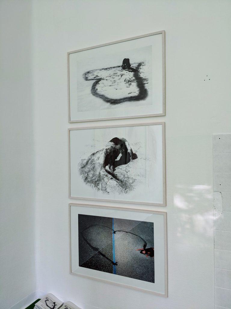 Ausstellungsansicht Parallel Vienna 2021 der Galerie Schloss Parz mit Isa Stein